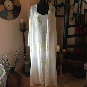 Other - Floral Robe & Nightgown Set Long Full Length Med